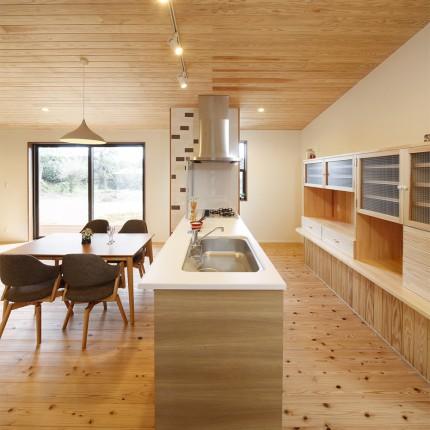 アイランドキッチンのある家3
